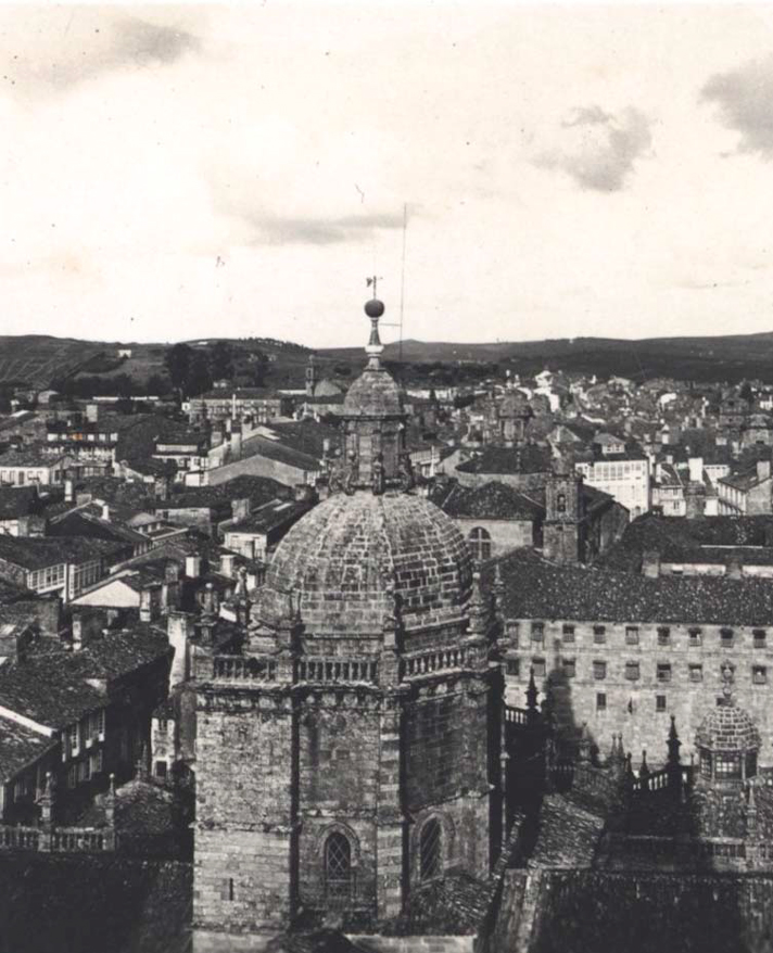 Fotografía de Roisin del cimborrio de la Catedral de Santiago de Compostela en 1925