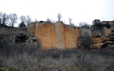 Obras de restauración del recinto amurallado de Calatañazor en Soria