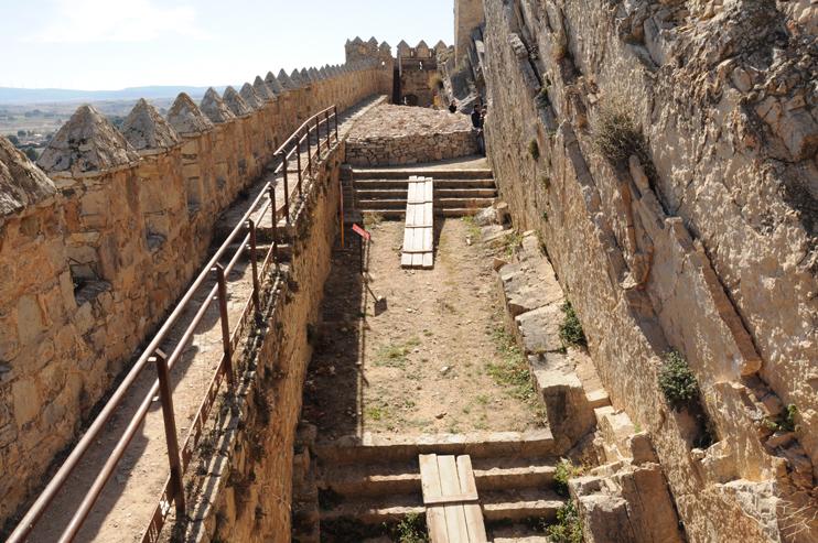 estudios-tecnicos-licitaciones-castillo-almansa-acceso-puerta-norte